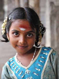 Indian girl, photo by Joe Routon