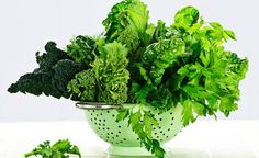 Parhaimmat ravintoarvot ovat tummanvihreissä salaateissa.