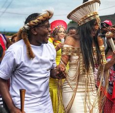 Umembeso is a gift-giving ceremony that forms part is the traditional Zulu wedding process. African Wedding Theme, African Print Wedding Dress, African Wedding Attire, African Print Dresses, African Attire, African Fashion Dresses, African Weddings, Zulu Traditional Attire, African Traditional Wedding Dress