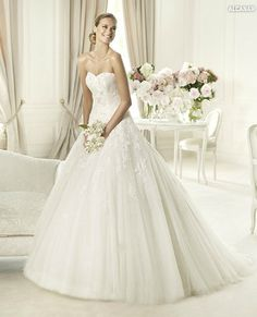 Pronovias Wedding dress Morbido Tulle & Lace gown with strapless sweetheart neckline Style alcanar $264.99 Wedding Dresses 2013