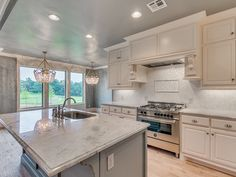"""GRAY CEILING IN KITCHEN White 1"""" x 1"""" Mother of Pearl Shell Tile Kitchen Backsplash"""