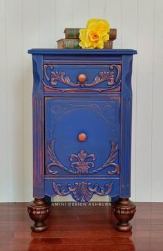 How to Redo Furniture - Biggest Painting Mistakes Art Furniture, Hand Painted Furniture, Funky Furniture, Refurbished Furniture, Repurposed Furniture, Cheap Furniture, Furniture Making, Furniture Makeover, Vintage Furniture