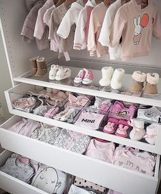 Baby closet goals!......Tag a friend who would love this too!.... credi