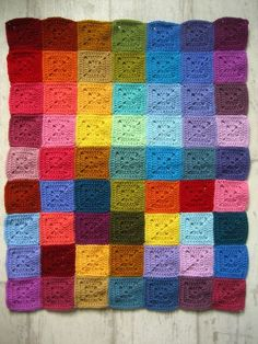 Transcendent Crochet a Solid Granny Square Ideas. Inconceivable Crochet a Solid Granny Square Ideas. Point Granny Au Crochet, Granny Square Crochet Pattern, Crochet Squares, Crochet Blanket Patterns, Crochet Stitches, Diy And Crafts Sewing, Crochet Crafts, Crochet Projects, Free Crochet
