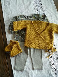 Brassiere et chaussons en laine moutarde tunique en liberty Fitzgerald