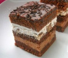 Izvaredan kolač sa čokoladom i pavlakom