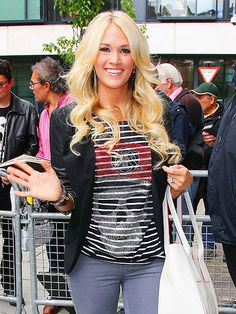 RHINESTONE COWGIRL   photo | Carrie Underwood - I want her shirt!!! :)