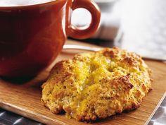 Scones med lemoncurd och vallmo - Recept - Kakor och bullar Frukost | Allt om Mat