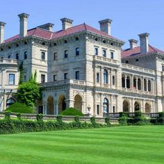 The Breakers, Rhode Island - Felix Lipov/Shutterstock Most Haunted, Haunted Places, The Breakers Newport, Coaching, Newport Rhode Island, Big Houses, Virtual Tour, Small Towns, New England