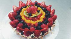 """Solar"" fruit Tart design #girlchef #tartporn #arrangement #fruit #pastry #dessert"