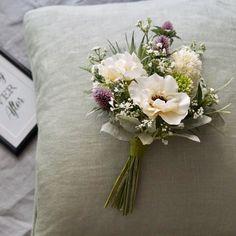 Little Things, Pretty Little, Wedding Flowers, Floral Design, Bouquet, Throw Pillows, Dress, Flower Arrangements, Cushions