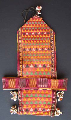 Rolling Bag from Maharashtra, India+++More Banjara textiles and information on my book you will find on my website www.m-beste.de