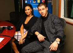 Nick jonas and demi lovato tour package