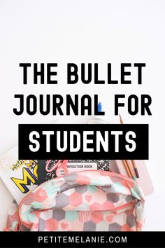 Bullet Journaling for students, Part 1, 2 and 3. Tips to help students to be more organized during the school year. The complete guide to help students be more organized with a Bullet Journal during the school year. Class schedule, weekly schedule, homework, group projects, budget, finances, meal prep. Weekly Schedule, Class Schedule, Bullet Journal School, School Study Tips, High School Students, Homework, Budgeting, Finance, Group Projects