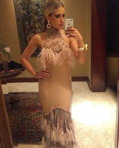 A atriz Monique Alfradique toda trabalhada na franja!! Tá linda, tá chic, tá África!!!  #cafodeolho #moniquealfradique ##bailevogue #bailedavogue #bailevogue2016 #bailedavogue2016 #cafo #philipecafo #boanoite