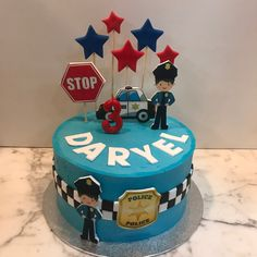 Tarta buttercream policía y estrellitas. Cupcakes, Desserts, Food, Police Cakes, Fondant Cakes, Lolly Cake, Yummy Cakes, Candy Stations, Cookies