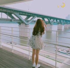 Thương suri Cute Girl Photo, Girl Photo Poses, Girl Photos, Cool Girl, Aesthetic Photo, Aesthetic Girl, Aesthetic Pictures, Potato Picture, Girl Korea