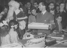 Hilda, Helga and Helmut Goebbels Joseph Goebbels, Red Army, Father, War, Children, Christmas Presents, Tired, Clothes, Pai