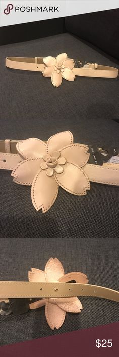 The Limited Brand Belt Brand new women's Genuine Leather Flower buckle Belt Size M/L The Limited Accessories Belts
