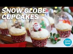 Snow Globe Cupcakes are the BEST Christmas cupcake! They're made with real gelatin bubbles, so the cupcake is entirely edible! Christmas Food Gifts, Christmas Crafts To Make, Holiday Treats, Holiday Recipes, Christmas Ideas, Bubble Christmas, Christmas Snow Globes, Snow Globe Cupcakes, Christmas Cupcakes