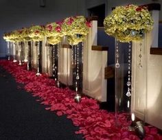 Beautiful cylinder w/flowers aisle arrangement