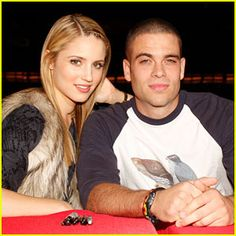 """Dianna Agron Photos Photos: The Cast Of """"Glee"""" Signs Copies Of """"Glee: The Music Vol. In Manhattan Diana Argon, Glee Cory Monteith, Mark Salling, Glee Club, Southern Hospitality, Internet Radio, Photo L, Celebs, Celebrities"""