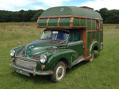 Survival camping tips Camper Caravan, Camper Van, Diy Caravan, Camper Trailers, Vintage Vans, Vintage Trucks, Little Houses On Wheels, Morris Traveller, Classic Campers