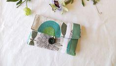 Pochette Blague a tabac en coton gris sourisette, fleur turquoise et vert d'eau…