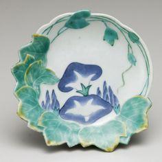 色絵朝顔文変形皿  鍋島様式・17世紀後期