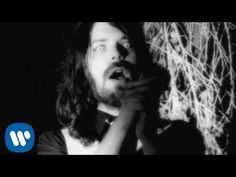 Biffy Clyro - Folding Stars [OFFICIAL VIDEO] - YouTube