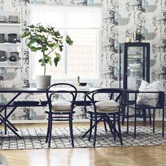 Te gustan los papeles pintados de estilo nórdico? Poetry es la nueva colección de Borastapeter y nos presenta nuevos motivos con los que poder decorar las paredes aportándole el estilo nórdico inconfundible de la firma sueca, más información en http://www.papelpintadoonline.com/es/288-papel-pintado-poetry