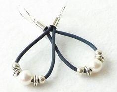 Leather Pearl Earrings, Sundance Style, Pearl Silver Earrings, Southwestern Jewelry, Boho, Your Choice, Black, Blue, Brown, Tan, Teardrop