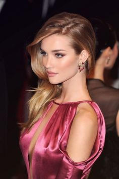 Rosie Huntington Whiteley : Pretty Starlet