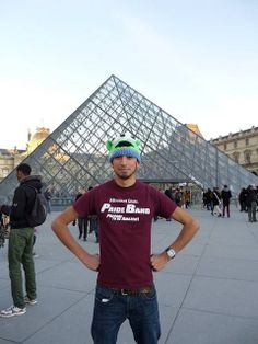 Arandi Lopez shows off his Missouri State pride in front of the Musée du Louvre in Paris.