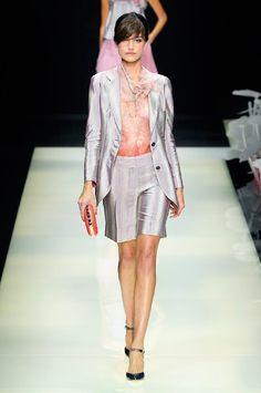 Giorgio Armani Elegancia chic y femineidad.