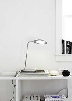 Muuto - Lamp http://www.smallable.com/night-lights-childrens-lamps/38803-leaf-table-lamp-grey.html