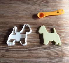 "Westie Highland Terrier Cookie Cutter. The sizes are from the most inner side of the cookie cutter. Cookie cutters are available in two sizes. When you have added all the ones you like, hit ""proceed to checkout"". 