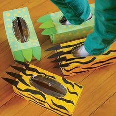 Voici trois idées pour transformer les boîtes de mouchoirs: en espadrilles, en pattes de tigre et en gros pieds de monstre.