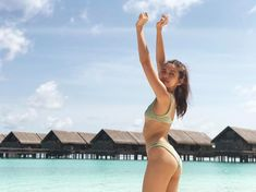 Yaya Dub aka Maine Mendoza shows off her killer bod in a recent out of the country vacation that's got fans and detractors constantly debating. Bikini Beach, Hot Bikini, Bikini Girls, Maine Mendoza Outfit, Gabbi Garcia, Enjoy The Sunshine, Foto Pose, Hottest Models, Beautiful Celebrities