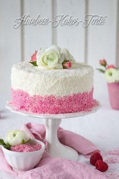 Leckeres Rezept für eine wunderhübsche Himbeer-Kokos-Torte. Der Gastbeitrag von Emma's Lieblingsstücke erschien im Rahmen des 4. Bloggeburtstages.
