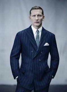 http://blog.carlosbrusman.com.br/os-tipos-de-lapelas-usadas-em-blazers-e-paletos/