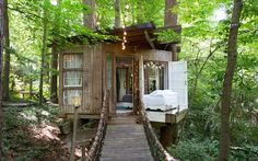 Atlanta, GA | Planning a fall foliage trip? Book one of these treetop Airbnbs for the ultimate view.