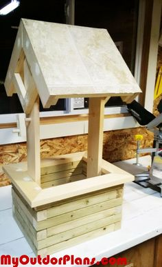 DIY Wishing Well Planter | MyOutdoorPlans | Free Woodworking Plans and Projects, DIY Shed, Wooden Playhouse, Pergola, Bbq