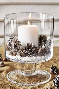 20 Magical Christmas Centerpieces That Will Make You Feel The Joy Of The Holiday. - 20 Magical Christmas Centerpieces That Will Make You Feel The Joy Of The Holidays – Sazonal: Natal - Christmas Table Centerpieces, Easy Christmas Decorations, Centerpiece Ideas, Vintage Centerpieces, Wedding Decorations, Flower Decorations, Pine Cone Decorations, Outdoor Decorations, Candle Centerpieces