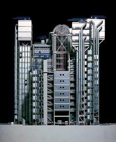Richard Rogers | Lloyd's of London (London) Renzo Piano, Lloyd's Of London, Tower Of London, Norman Foster, British Architecture, Modern Architecture, Movement Architecture, Industrial Architecture, Garden Architecture