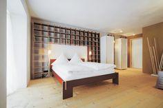 Guesthouse berge | Nils Holger Moormann | Vorderstübchen | ©Jäger & Jäger