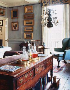 The World of Interiors November 2015 by Condé Nast Digital - issuu English Interior, English Decor, Classic Interior, Home Interior Design, Interior And Exterior, Interior Decorating, Antique Interior, English Country Decorating, Kitchen Interior