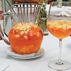 COMIDINHAS FÁCEIS: Ponche de frutas com espumante, vodka e refrigerante