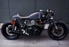 Awesome Yamaha by 🔥🔥🔥🔥🔥🔥🔥🔥🔥🔥🔥🔥🔥🔥 Yamaha Cafe Racer, Cb400 Cafe Racer, Cafe Racer Motorcycle, Brat Cafe, Moto Cafe, Drag Bike, Yamaha Xs1100, Modern Cafe Racer, Cb 450