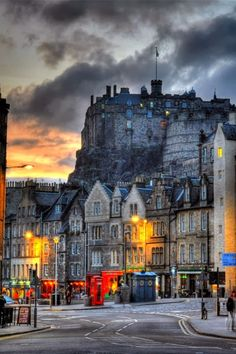Edinburgh Castle, Scotland. Places to see around the world. Wanderlust. Places I want to see.
